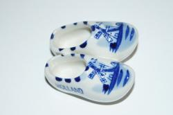 Magnet- Delft Pair of Wooden Shoes